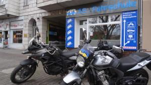 2019_Fahrschule_Berlin_Mitte_Tiergarten_Motorräder